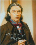 Anthony Higgins  - Signed 10 x 8 Photograph. This is an original autograph and not a copy. 10208